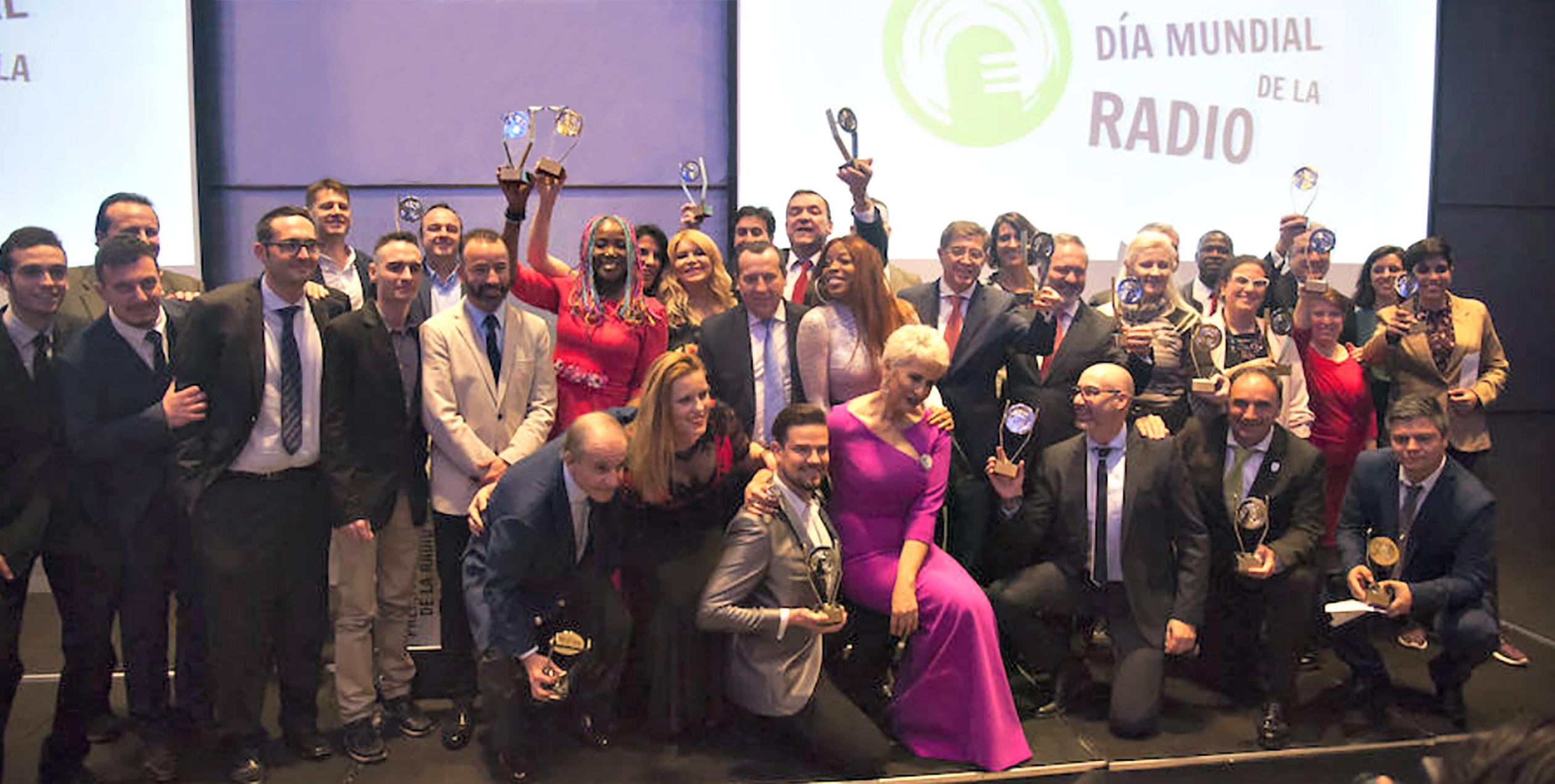 Reconocimiento Y Emoción En La Gran Noche De Los Premios Día